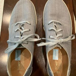 Men's TOMS sneakers